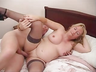 horny american cougar housewife