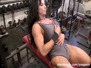 rhonda lee quaresma - grown-up muscle