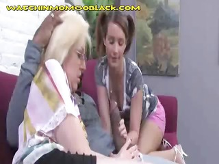 bbc sucked by mom and daughter