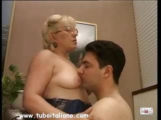 english pale woman quarantenne ita