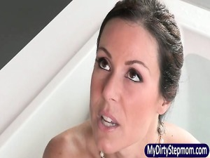 stepmom kendra lust lick off her stepson