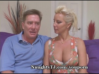 sensual lady bangs more juvenile cock