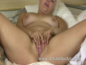 voluptous blonde mother id enjoy to pierce from