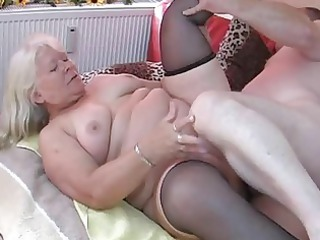 heavy fresh lady licks and bangs on her bedstead