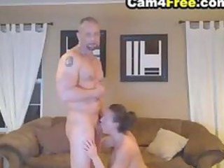 deepthroating woman made him sperm in her oral