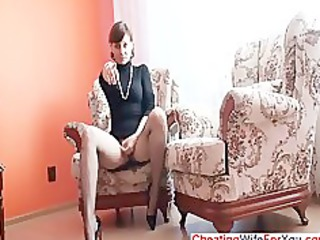 older babe shows kitty