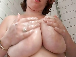 chubby busty hirsute housewife in the tub