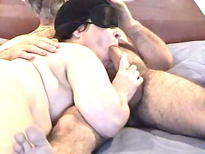 masked chubby licks dick