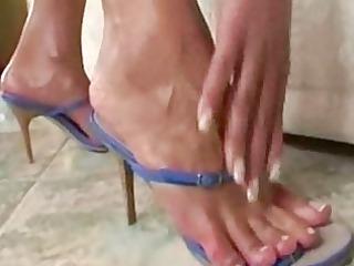 pretty lady foot solo