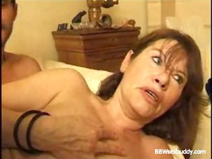 mature bbw takes it into the ass