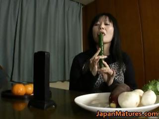 japanese lady likes masturbation part2