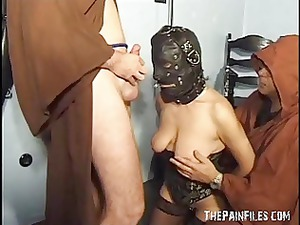 extreme lady slavesex and cock sucking of leather