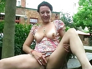 outside masturbation of cougar shaz