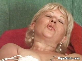 incredible solo act  with desperate cougar part6